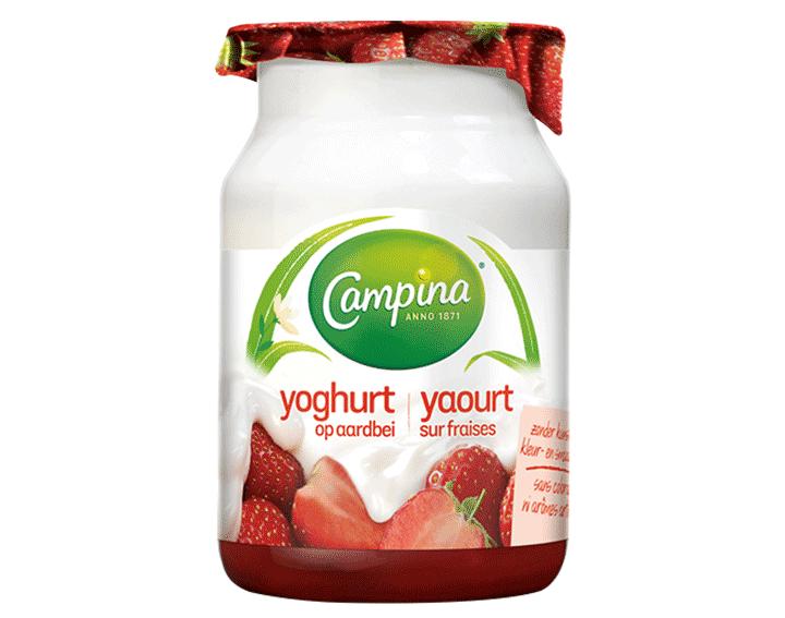 Yoghurt op Aardbei