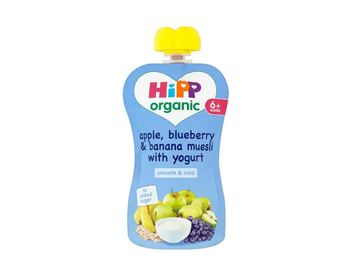 Apple, blueberry & banana muesli with yogurt